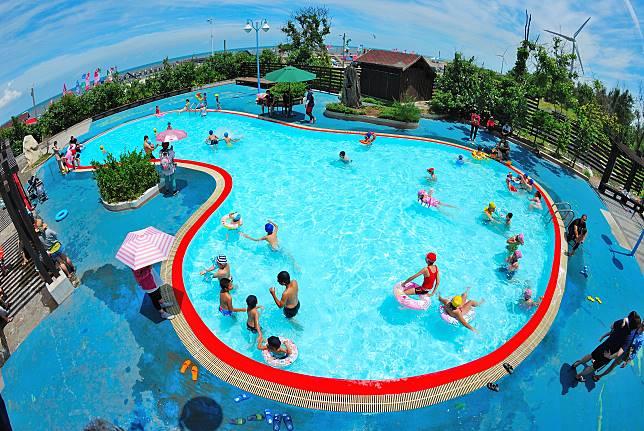 水Party透心涼 大安濱海旅客服務中心游泳池免費開放