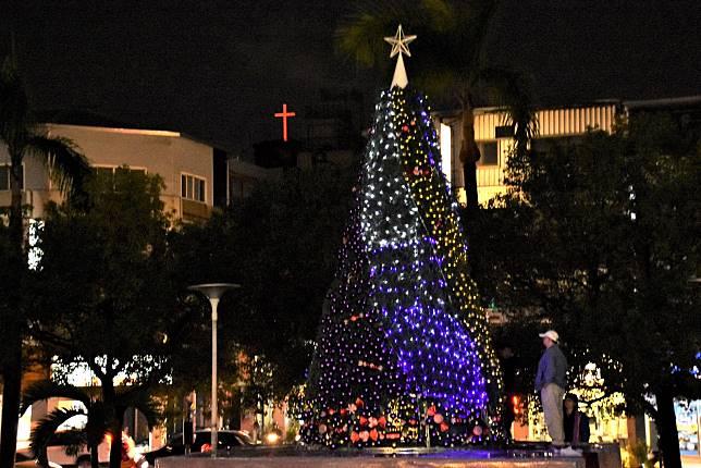 耶誕樹點燈
